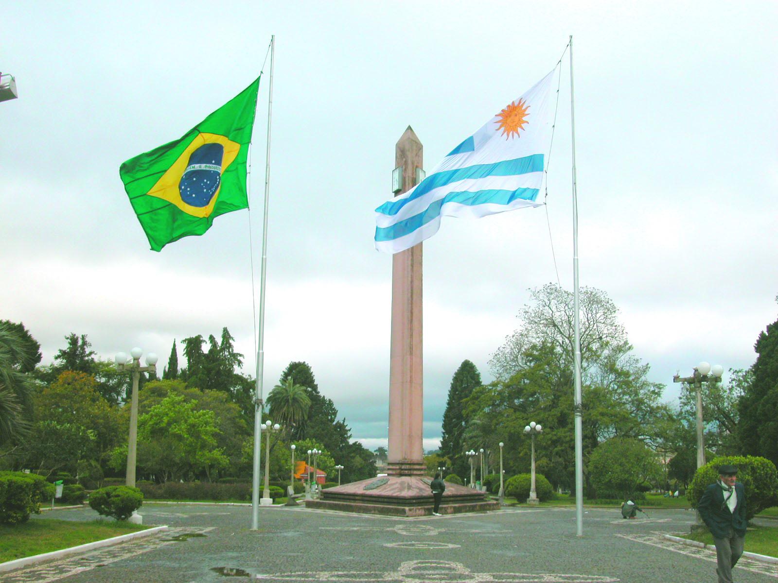 Read Brazil And Uruguay Border Rivera And Santana Do Livramento Online Free Yudu